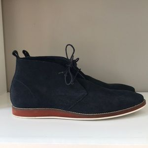 Gently worn casual men boots.